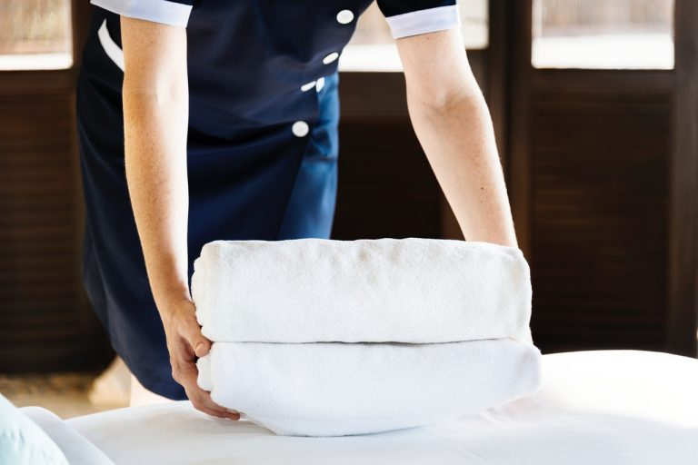 How To Get A Job At A Luxury Hotel
